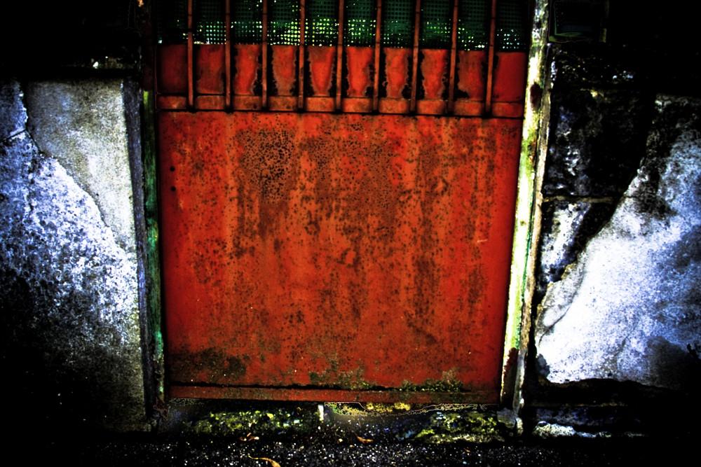 rouge porte