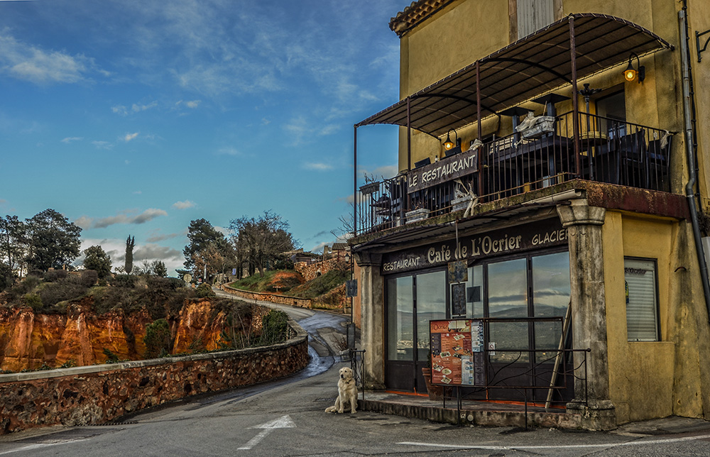 Roussillon - Café de L`Ocrier