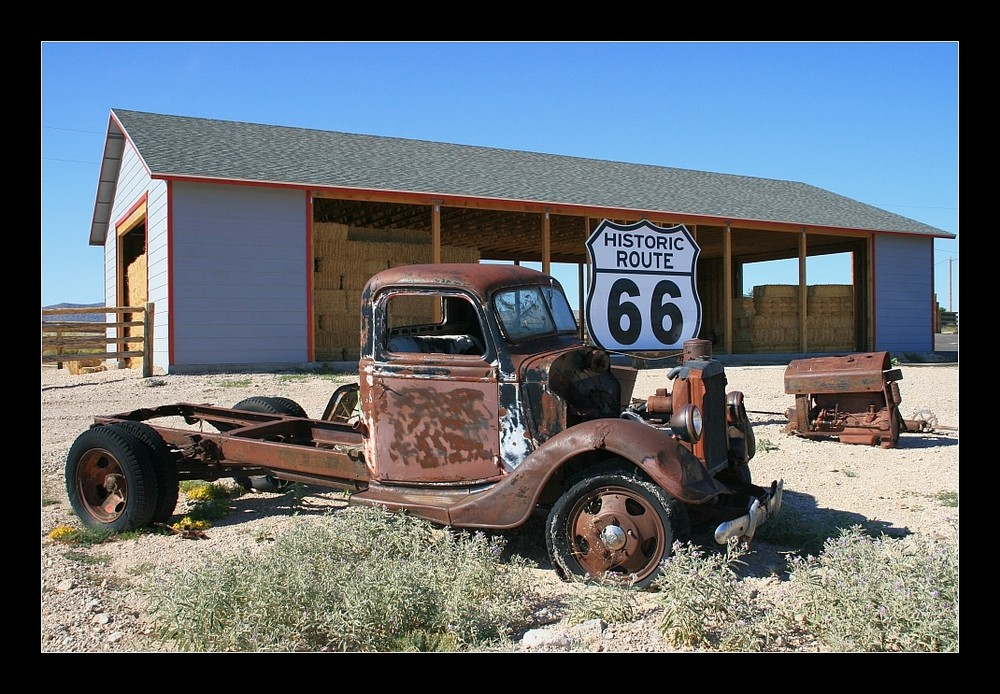 route 66 zwischen seligman und kingman foto bild north america united states route 66. Black Bedroom Furniture Sets. Home Design Ideas