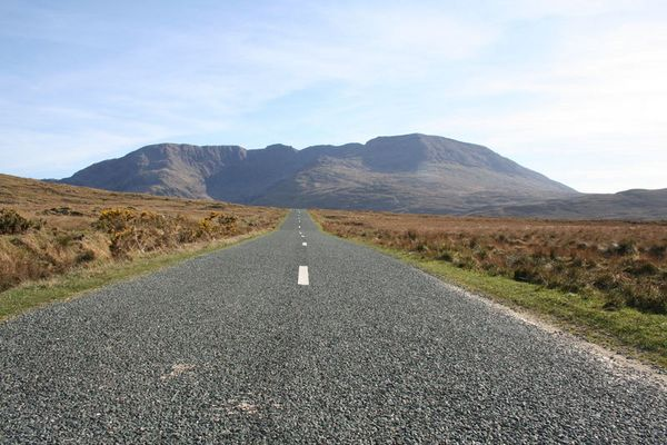 route R335 proche Doo Lough