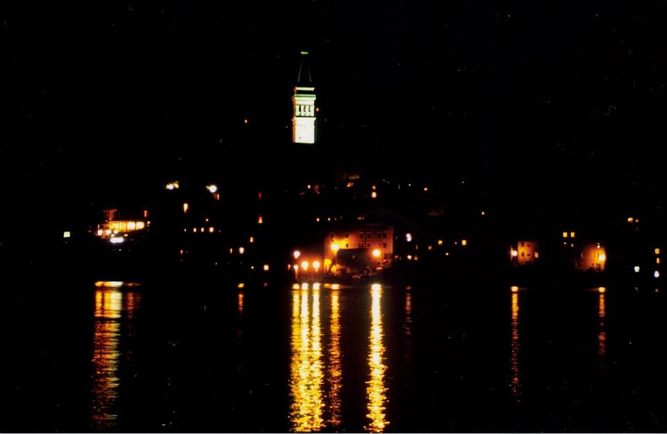 Rovinje bei Nacht