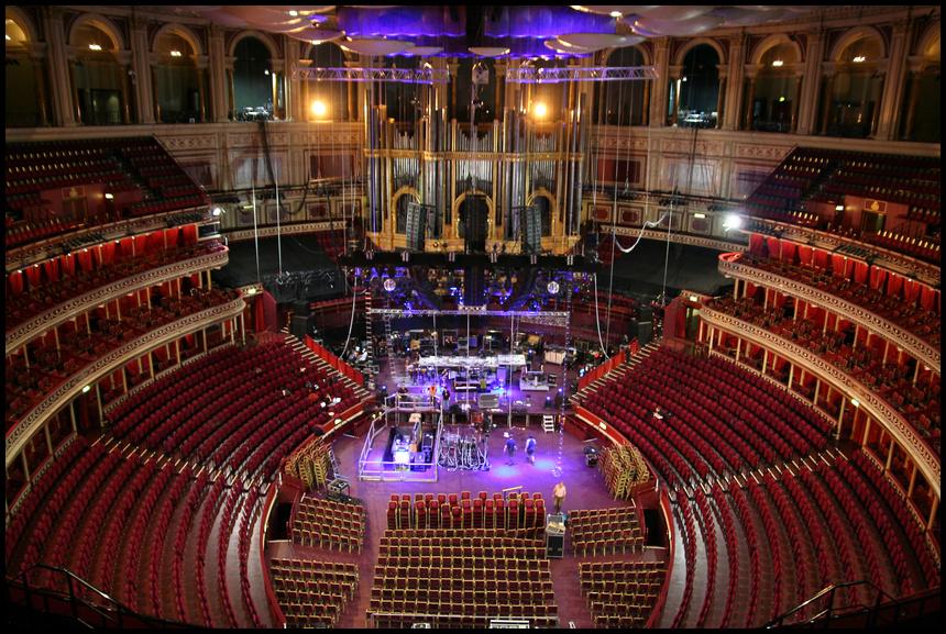 .Royal Albert Hall.