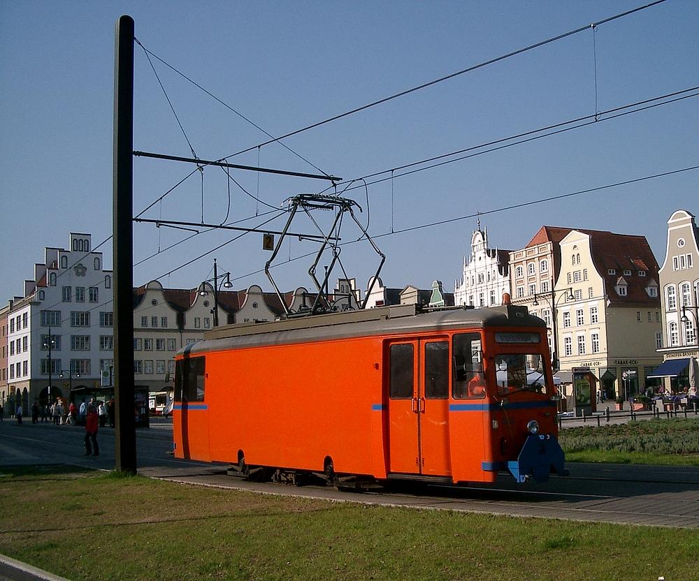 RSAG 555 im Mai 2006 am Neuen Markt in Rostock