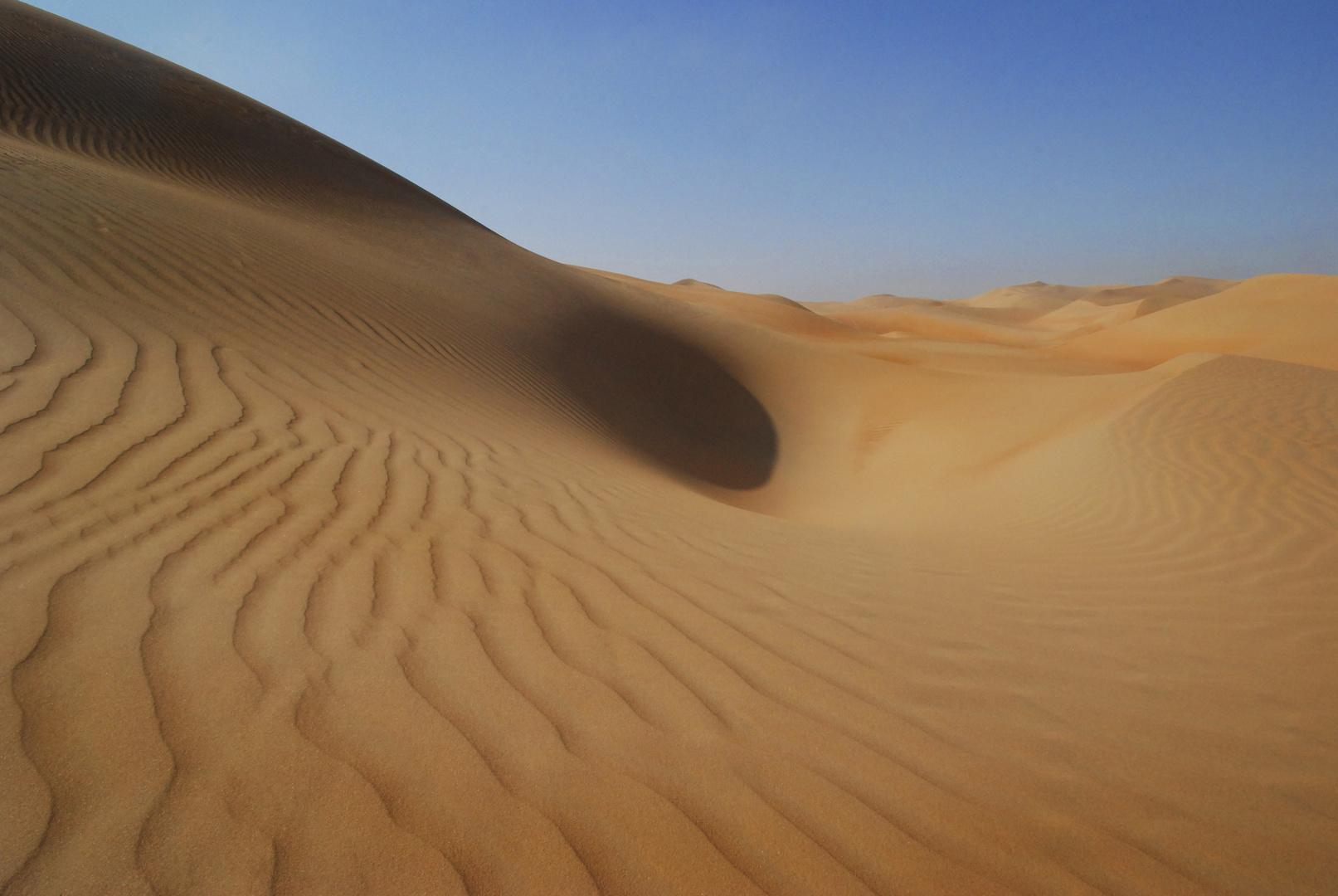 Rub al Khali kurz nach Sonnenaufgang, im weitesten Sinne Höhe Liwa