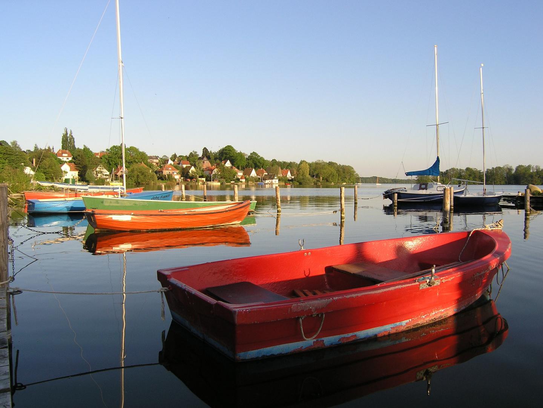 Ruderboote am Plöner See - Deutschland