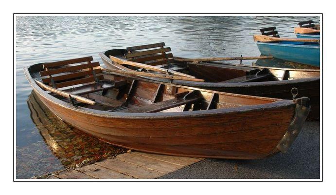 Ruderboote im Englischen Garten / München