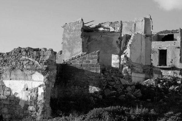 Ruderi testimonianza del terremoto del 1968 (Belice)