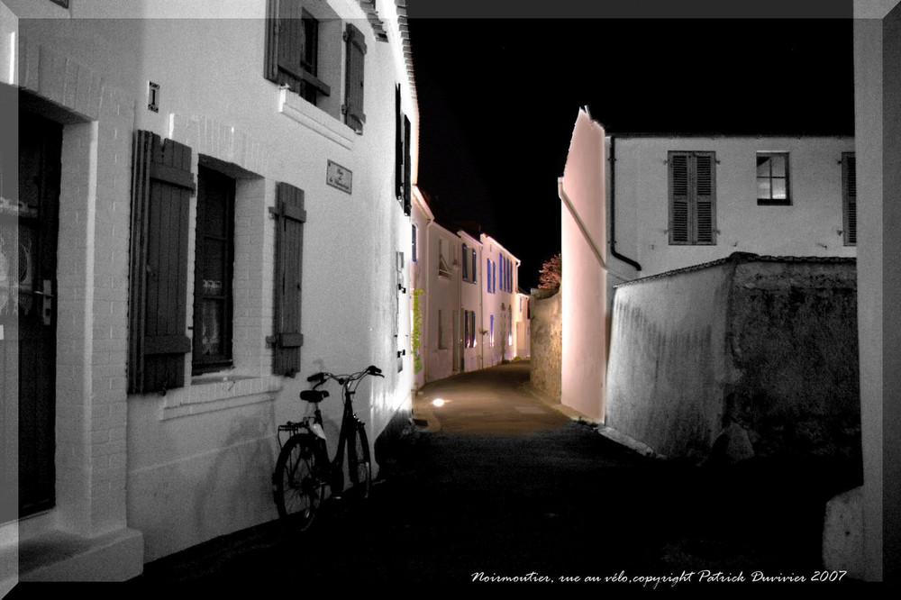Rue au vélo à Noirmoutier