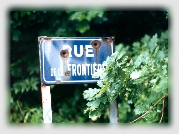 Rue de la Frontière