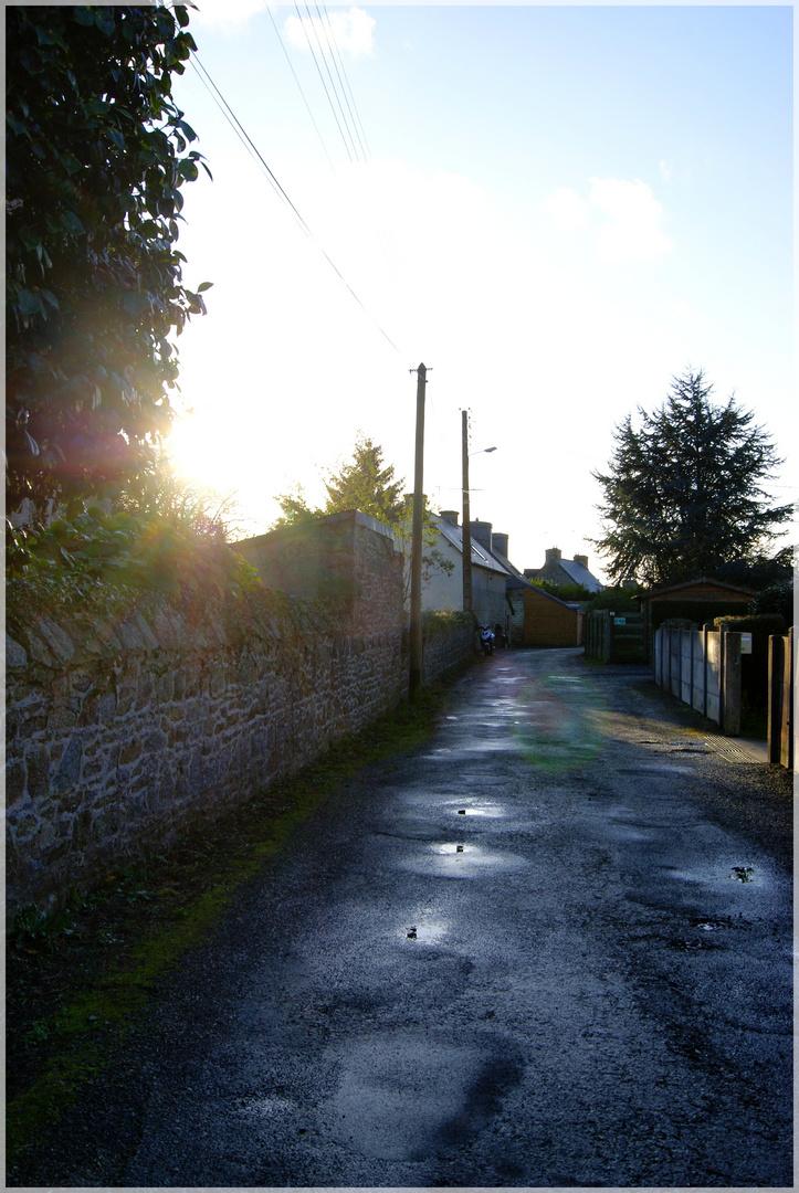 Rue déserte mais ensoleillé