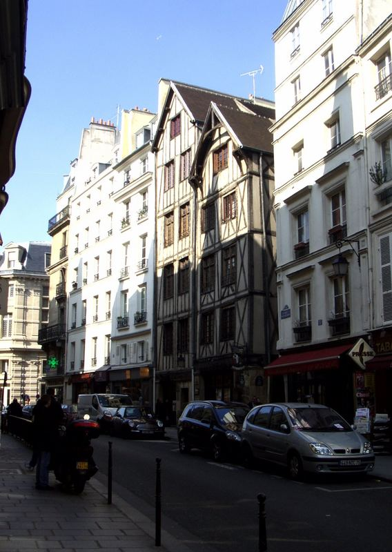 Rue François Miron (1)