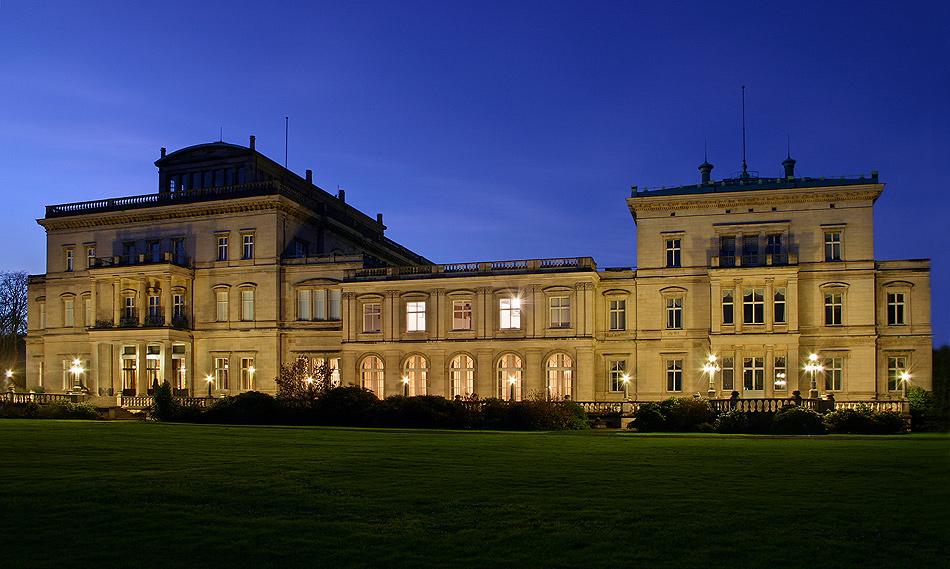 Rückansicht Villa Hügel