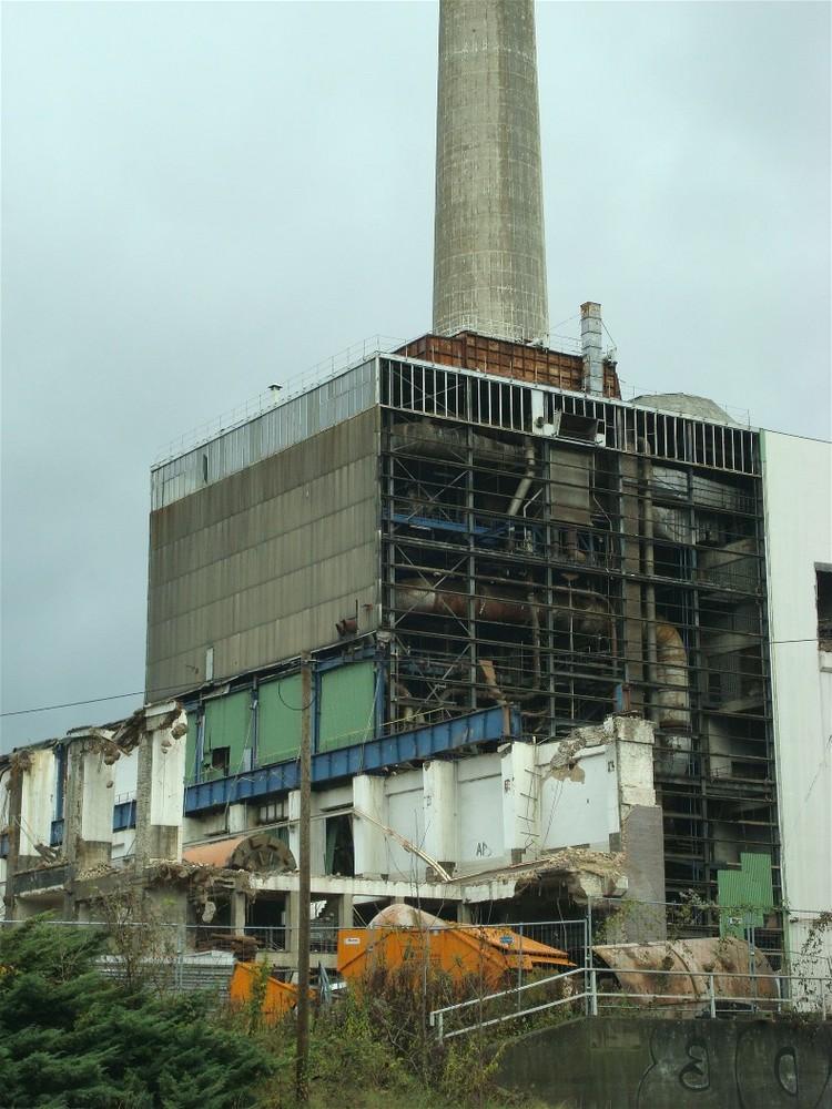 Rückbau eines Kraftwerkes - Körperwelten
