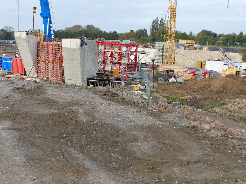 Rückseite de südlichen Widerlagers Baufortschritt  auf der Ost- Seite