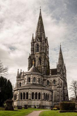 Rückseite der Saint Fin Barre's Cathedral