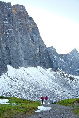 Rückweg von der Falkenhütt  zur Eng (großer Ahornboden) bei der Lalidererwand