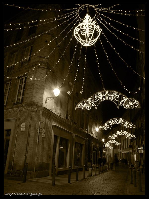 Ruelle de Toulouse à Noël