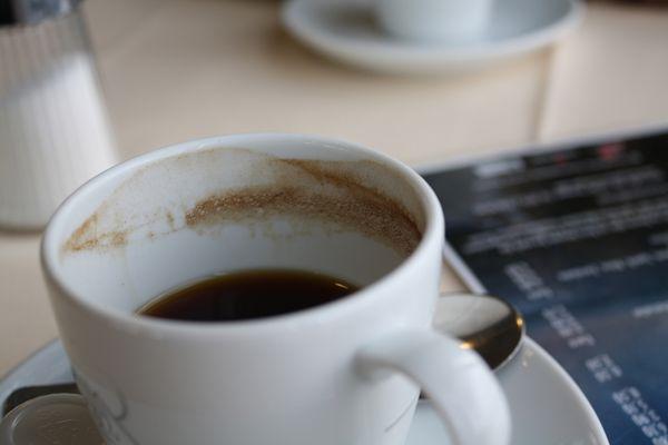 Ruhiger Kaffee
