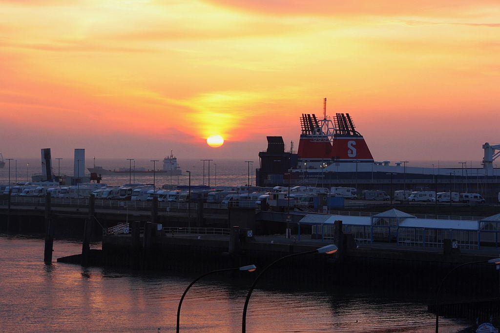 Ruhiger Morgen an der Elbe