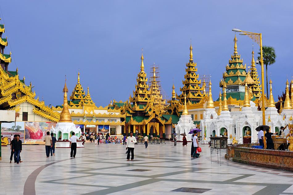 Rund um die Shwedagon Pagoda
