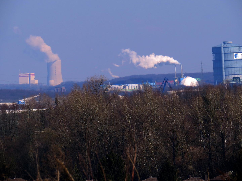 rund um die Uhr wird CO2 in die Luft gejagt,