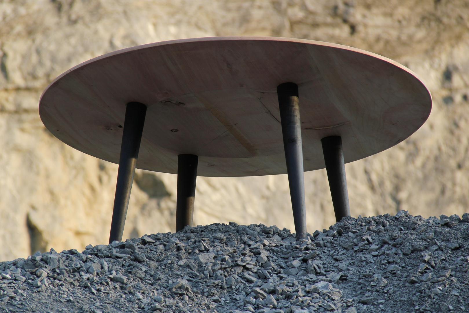 Runder Tisch von unten