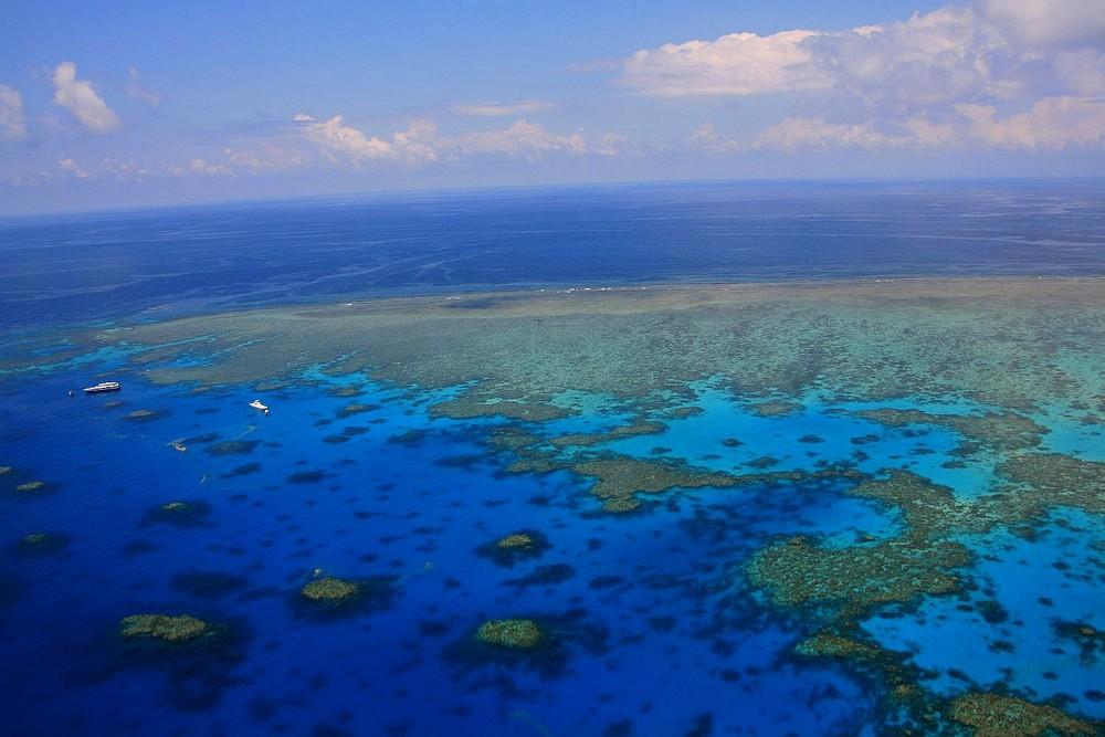 Rundflug übers Great Barrier Reef