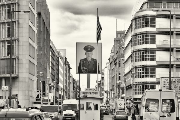 Rush Hour Check Point Charlie