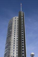 RWE-Tower mit Sat-Schüssel
