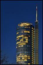 RWE-Turm bei Nacht