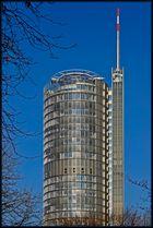 RWE-Turm bei Tag