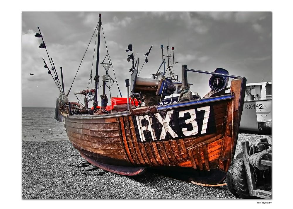 RX37 ein Fischerboot in Hastings