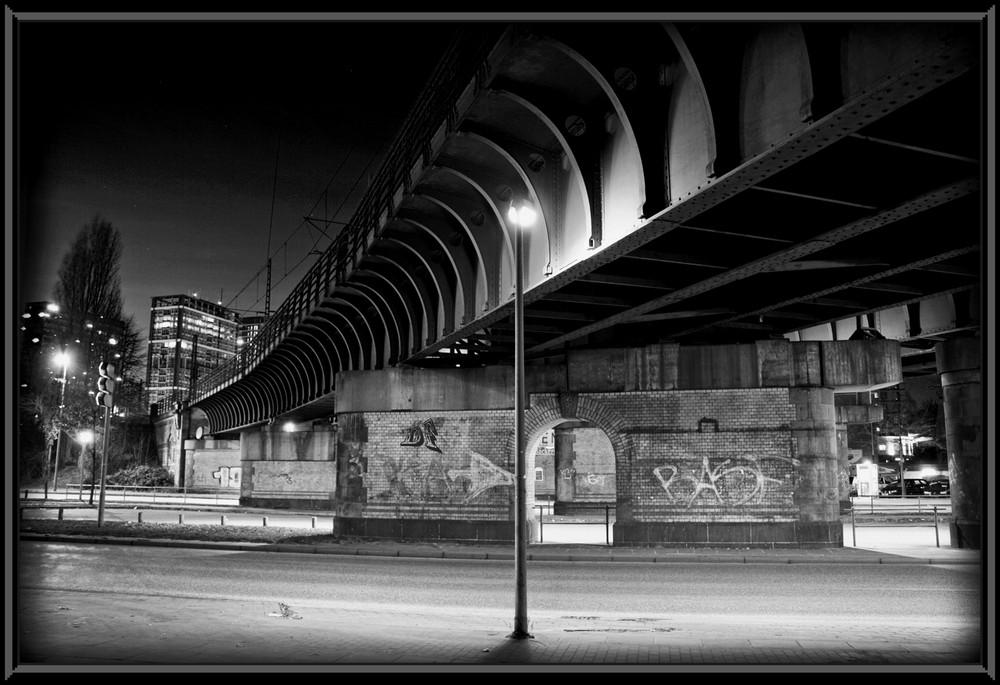 S-Bahn Brücke Berliner Tor in Hamburg