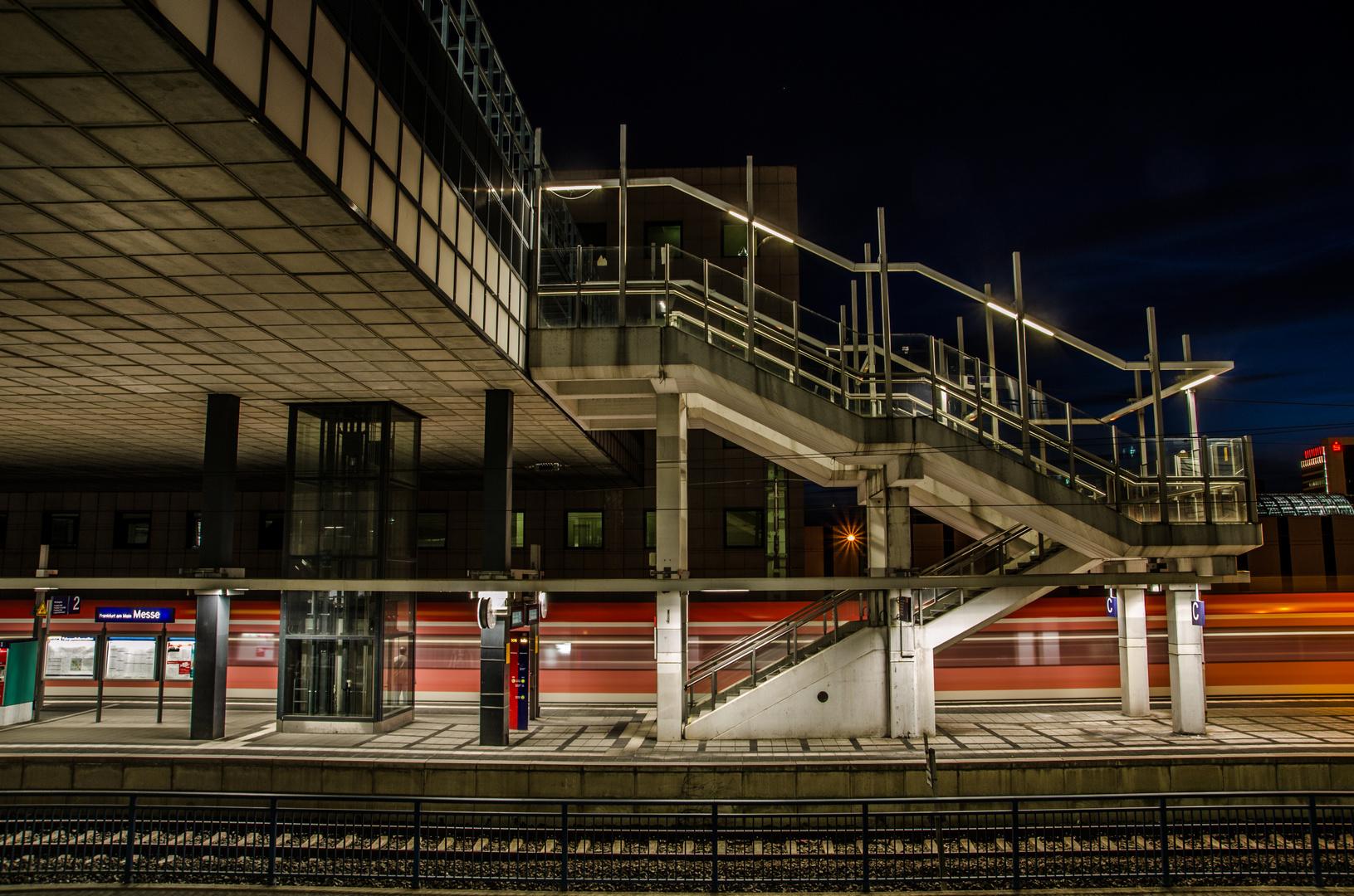 S-Bahn Haltestelle Frankfurt Messe