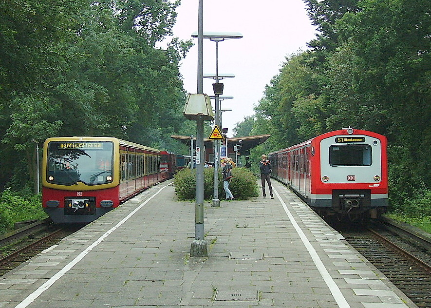 S-Bahn-Parade durch Wellingsbüttel