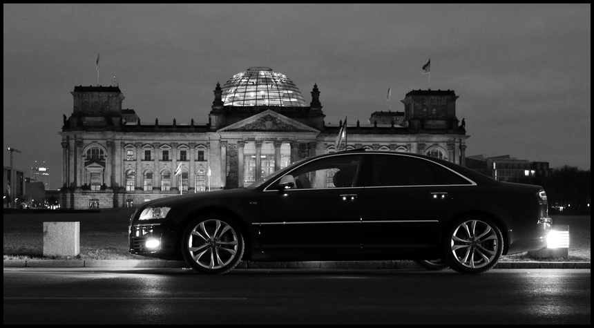 S8 am Reichstag*