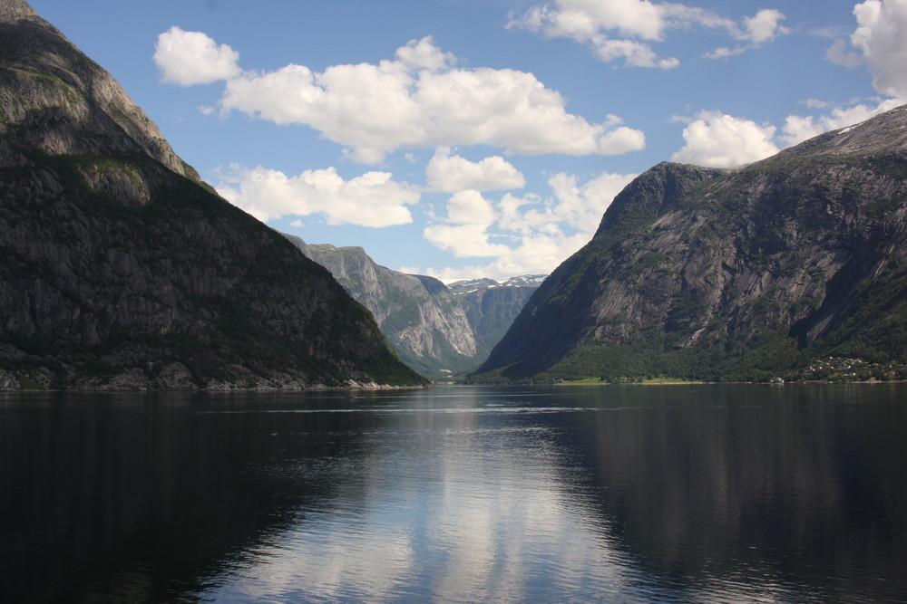 """ sa majeste le Fjord """