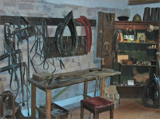 saddlery/ guarnicioneria/ Sattlerei