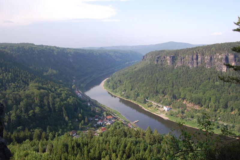 Sächsisch-Böhmischen Schweiz. Dolni Zleb. Elbtal