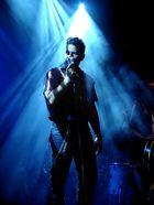 Sänger mit beeindruckender Lichtshow