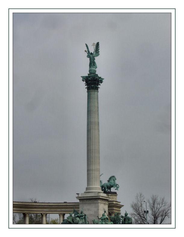 Säule am Heldenplatz (Hösök.tere) Budapest