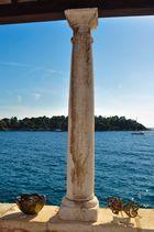 Säule am Meer