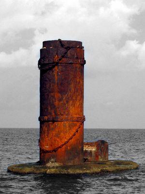 Säule im Meer