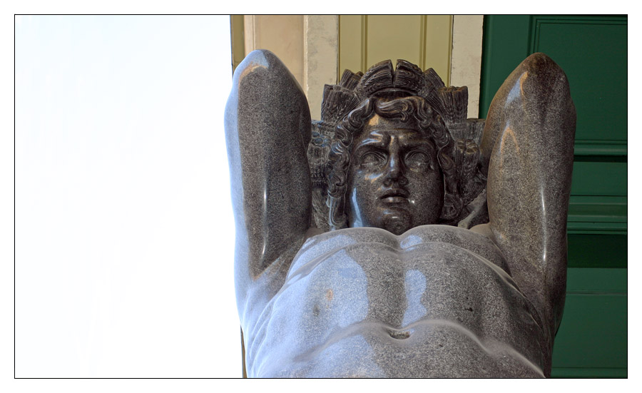 Säule in der Nähe Ermitage