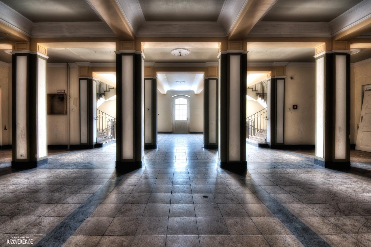 Säulen des Sanatoriums