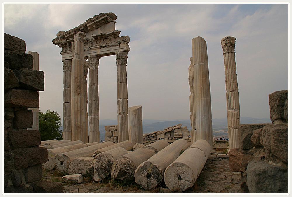 Säulen und Steine.....