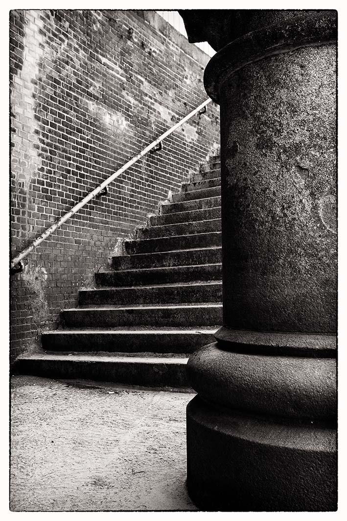Säulen und Treppen