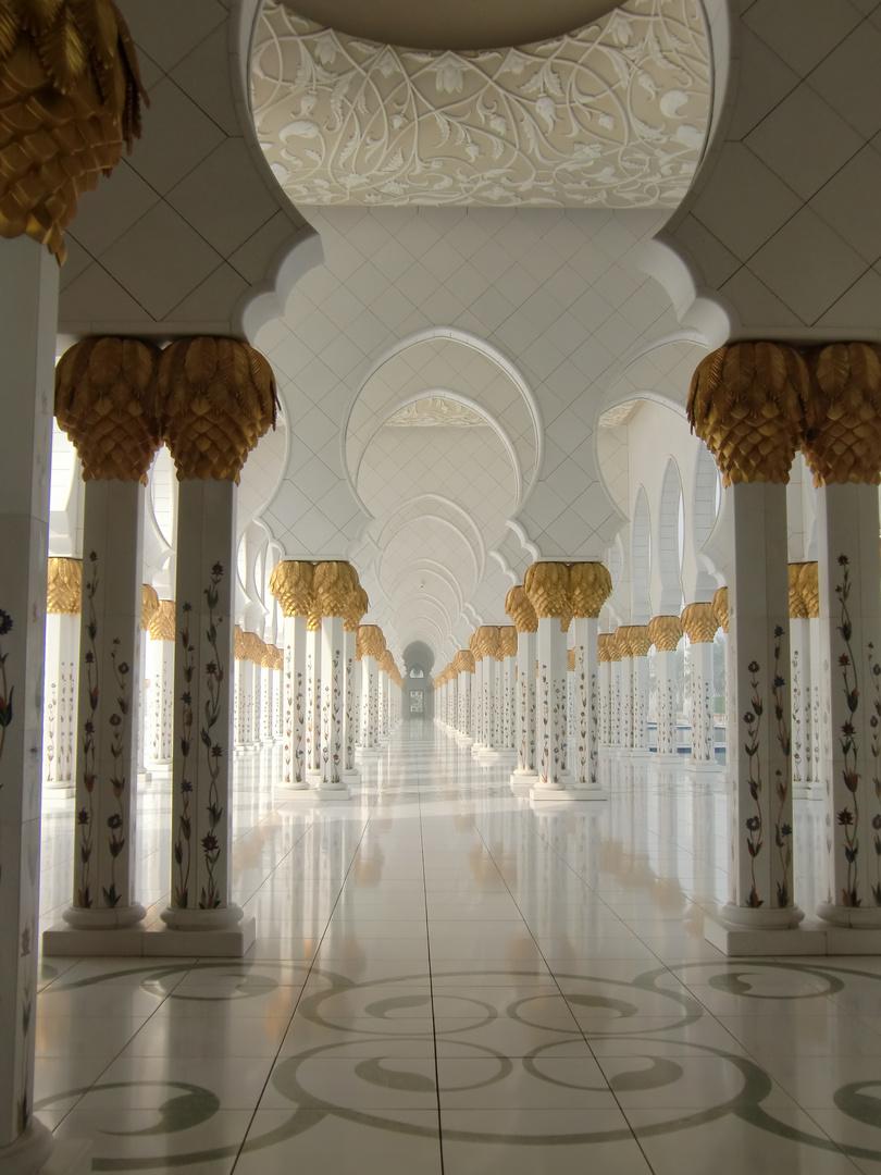 Säulenallee Schaich-Zayid-Moschee