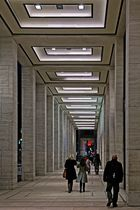 ... Säulengang ...