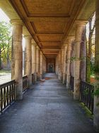 Säulengang im Ludwig-Hoffmann-Quartier, Berlin-Buch